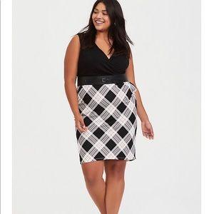 Torrid Dress NWT size 2 plaid and black